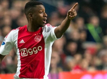 RUMOURS: Chelsea in Bazoer running with Barcelona and Man City